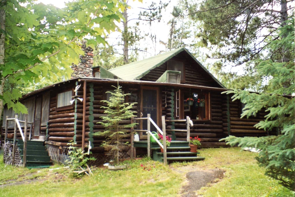 Ultimate log cabin experience on a lake cabins for rent for Cabins for rent in minnesota