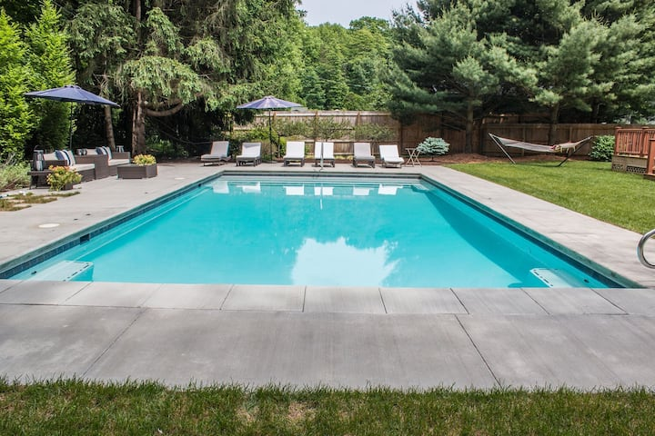 Delightful Home w/High-Speed WiFi, Private Outdoor Heated Pool, Deck, & Firepit