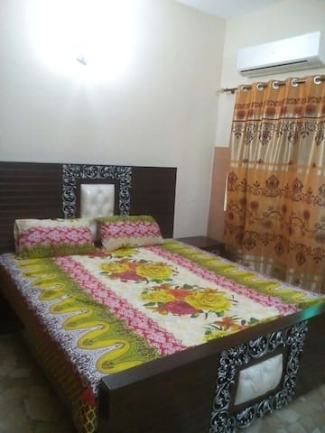 Furnished Independent room in bahria town