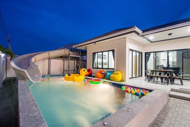 Big Fun & Party Pool Villa / 10 min to City Center