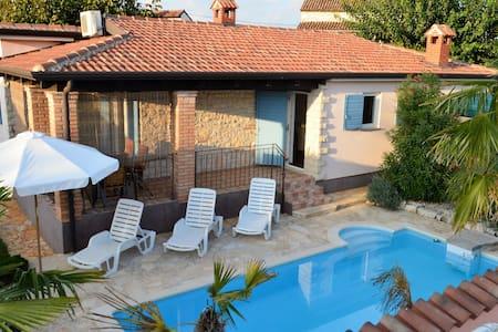Vacation House-Nikic Porec, das Haus mit der Seele