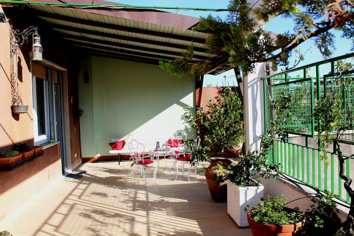 STELLA MARIS penthouse, large and sunny terrace
