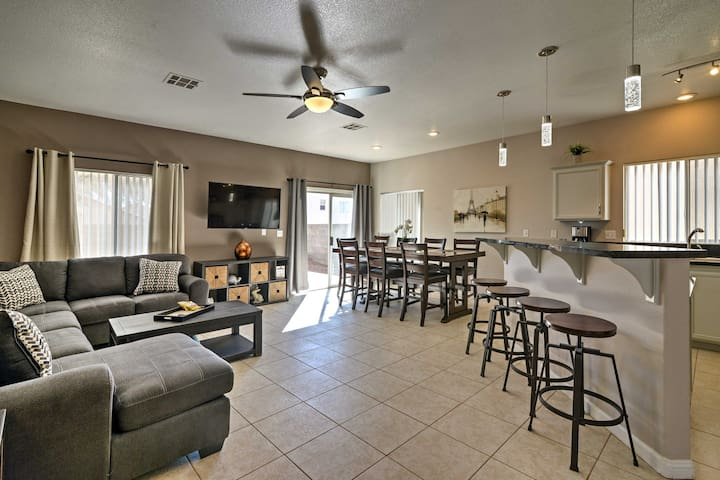 Las Vegas Home w/ Patio - 25 Mins From The Strip!
