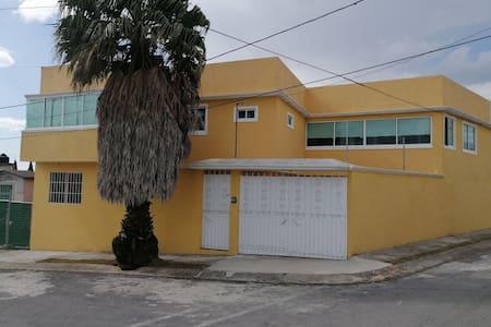 Habitaciones en Casa Amplia y Bonita CCTV, Fracc