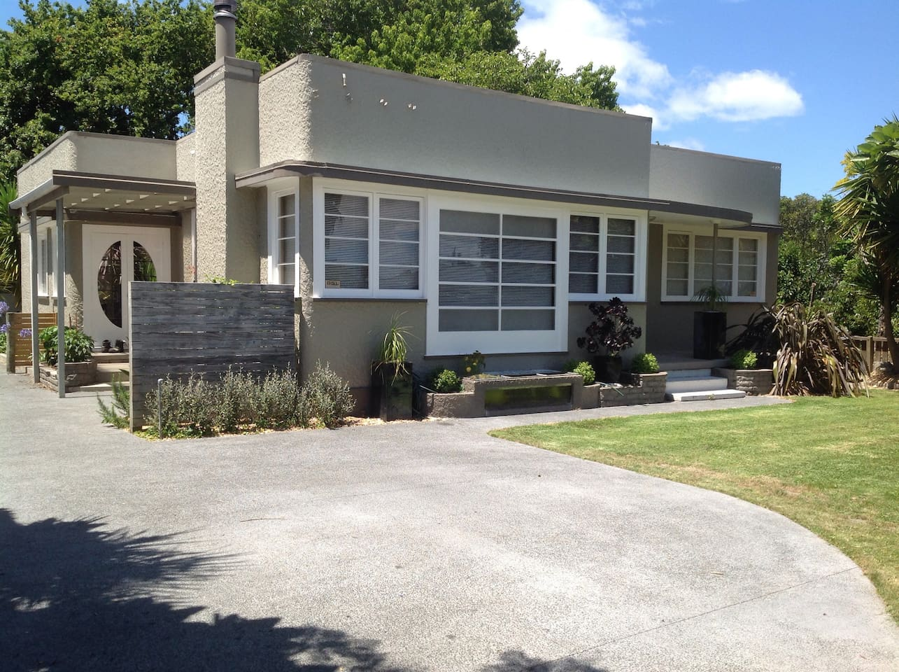 Our Art Deco home. Parking bay available at front and Studio located at the rear.