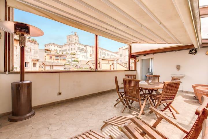 Amazing Attic with Terrace in Fontana di Trevi