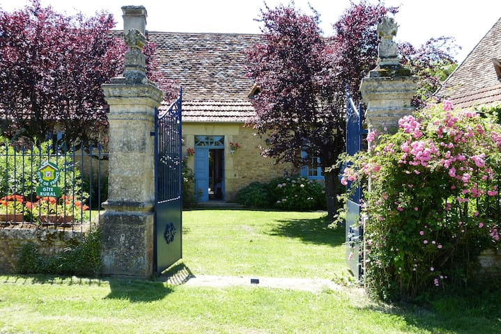 Le Relais de Poste   Gîte 3 épis - Saint-Félix-de-Reillac-et-Mortemart - Talo