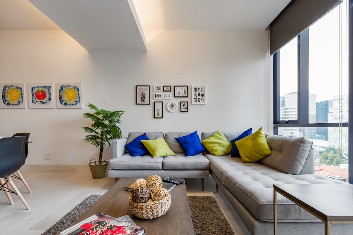 Elegant Downtown Apartment Welcome Long Term Rentals