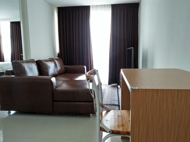 Cozy 2 bedroom apartment at INTERMARK BSD
