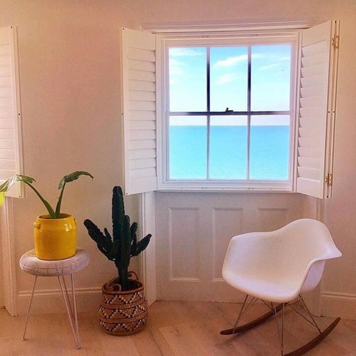 Brighton Seaview Apartment