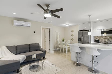 2  NO CLEANING FEE  Modern Condo By Downtown,Beach