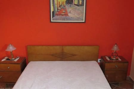Double Room - private entrance - private bathroom - Bed & Breakfast
