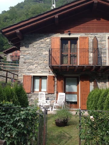2 bed House in the Italian Alps - Torre di Santa Maria - Huis