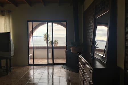 Beach House + Private beach - Punta Bandera - บ้าน