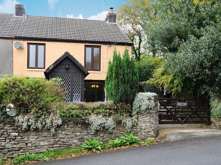 Squirrel Cottage (W42255)