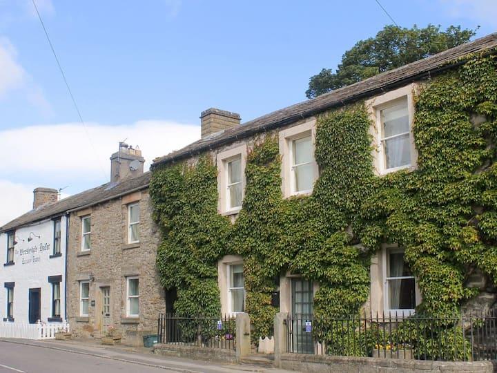 Kingston House (UK12245)