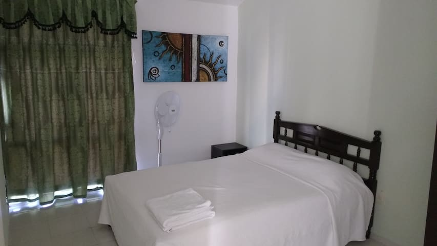 2) Bedroom for two air conditioner shared bathroom - Puerto Aventuras - House