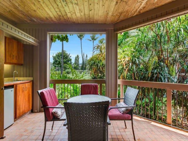 Tropical Style! Fairway View Lanai, Washer/Dryer, WiFi, Kitchen Ease, TV Kanaloa 402