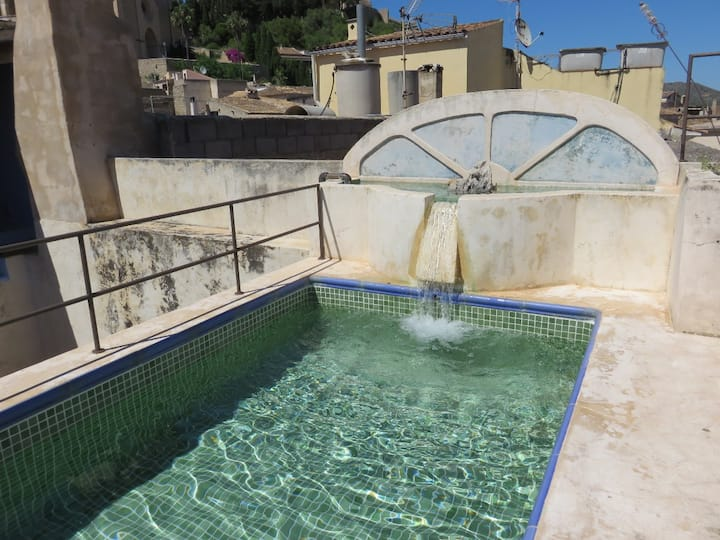 CHARMING TOWNHOUSE WITH POOL (PHONE NUMBER HIDDEN)