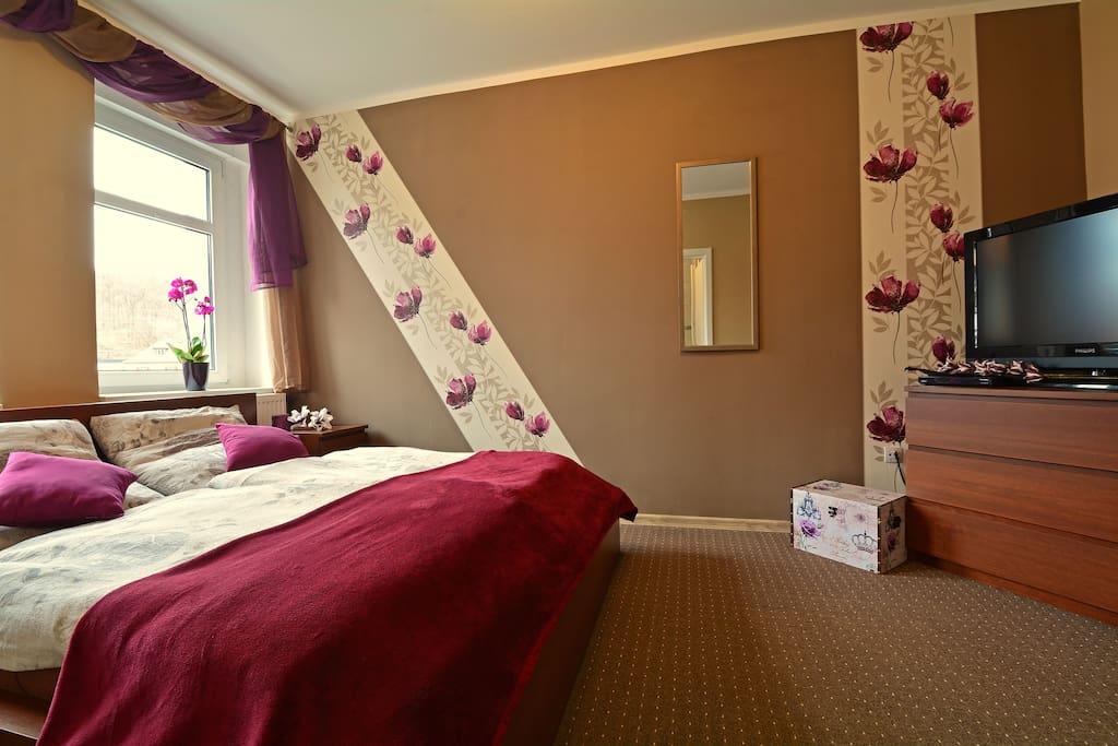 Schlafzimmer 02 mit zusätzlichen Flachbildschirm