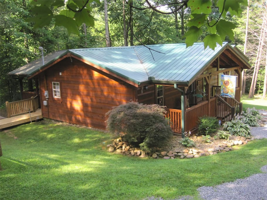 Welcome to Webb Creek Hideaway!