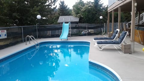 Beautiful suite with pool (open for season)