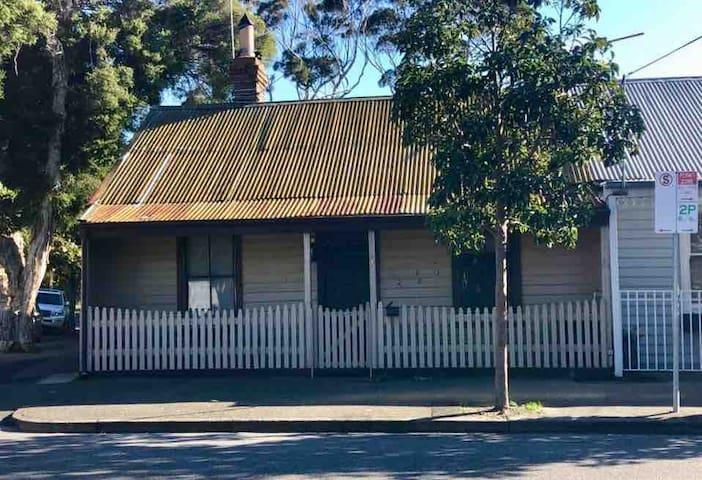 Port Melbourne City Retreat