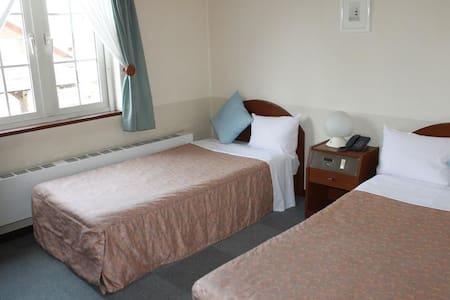 European style Cozy hotel★Best location! Twin room
