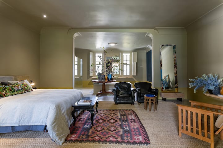 Johannesdal 1207, Matisse suite,Stellenbosch