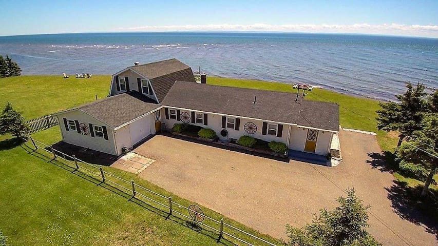 Beautiful Oceanfront Home on Northumberland Strait
