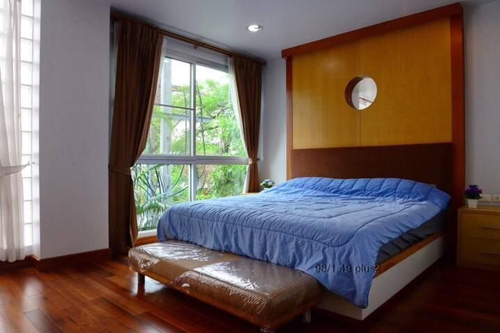 2 Bedrooms condo Near samitivej hospital