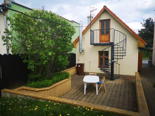 Dom so záhradou pre rodinu 20 minút od Tatier