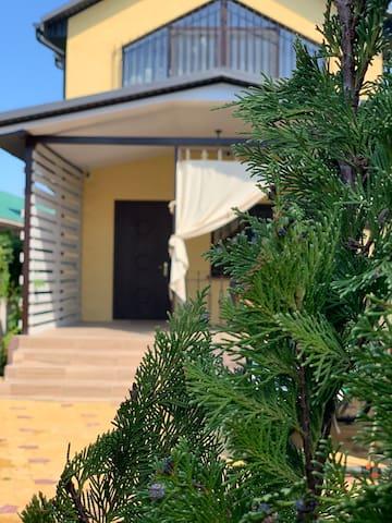 ЧУНГА-ЧАНГА) гостевой дом До пляжа и моря-284 шага