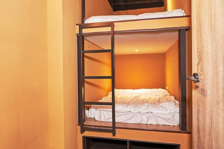 C21/BUNK BED FOR 2/24HR SELF CHECK-IN/METRO NEARBY