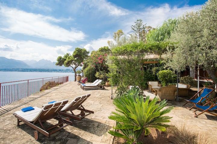 Amazing villa vith wonderfull terrace
