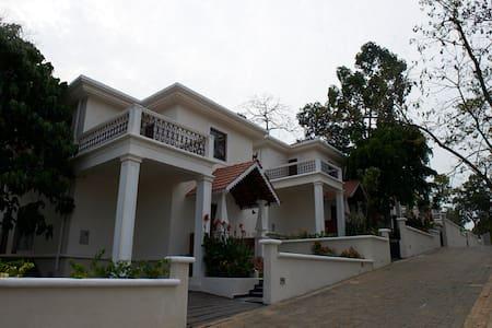 3 BR Deluxe Villa With Garden View # 13 - Pohjois-Goa - Huvila
