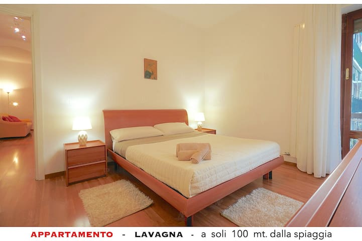 Just 100 meters from the sea convenient shops