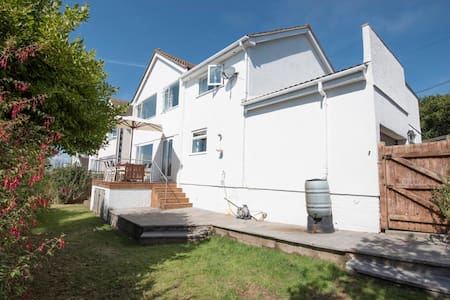 Large family house with amazing sea views - Teignmouth - Hus