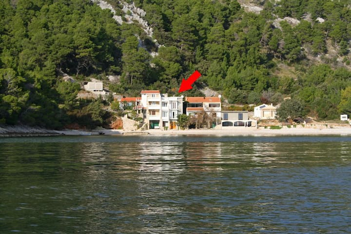 One bedroom apartment near beach Cove Smokvina bay - Smokvina (Hvar) (A-4036-e)