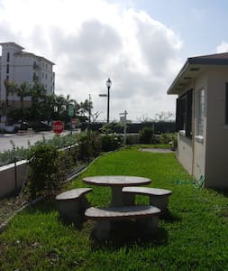 1 Bedroom Beachside Apartment - Byt