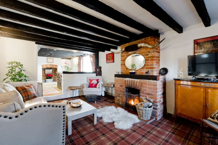 Farnham cottage easy access to Guildford, Windsor