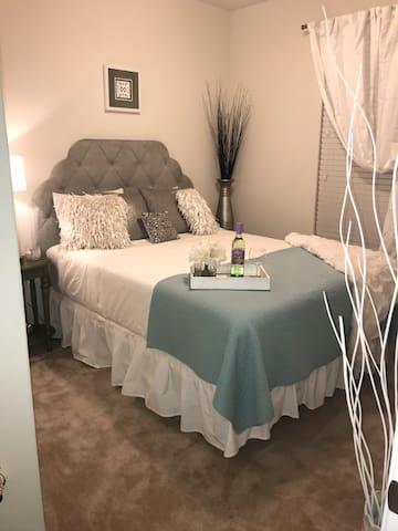 """""""Cozy Lisboa Private Room"""" in Round Rock near Dell"""
