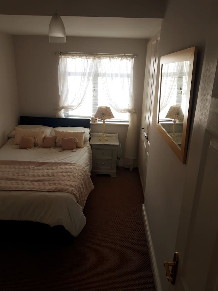 Bright Double Room for one or two guests.
