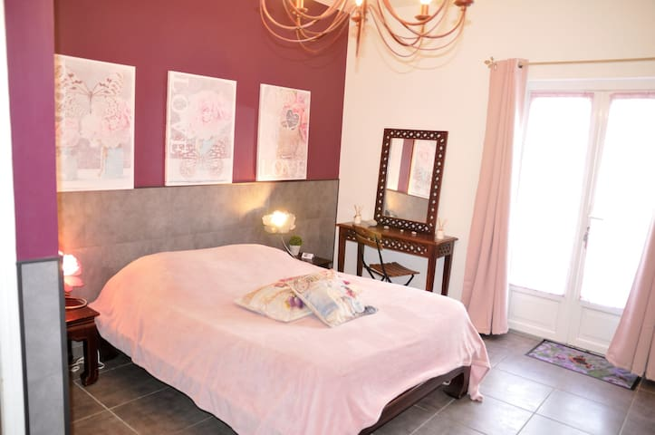 Duplex Prune, Bed and Breakfast at Le Domaine des Platanes