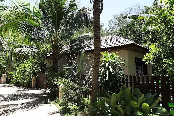 Adventure Resort (Bungalow Nr. 4) - Muang Pattaya - Бунгало