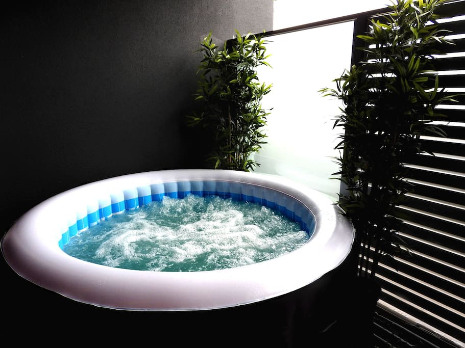 Bubble heated spa on private balcony