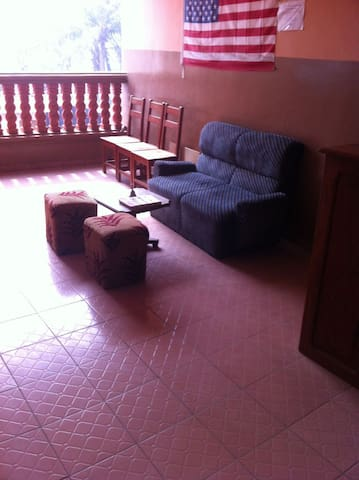 Nice room/apt for short stay in Benin Republic. - Abomey Calavi - Pousada