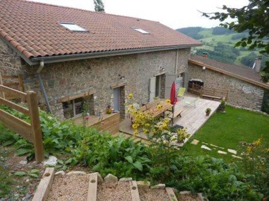 Maison , côté terrasse