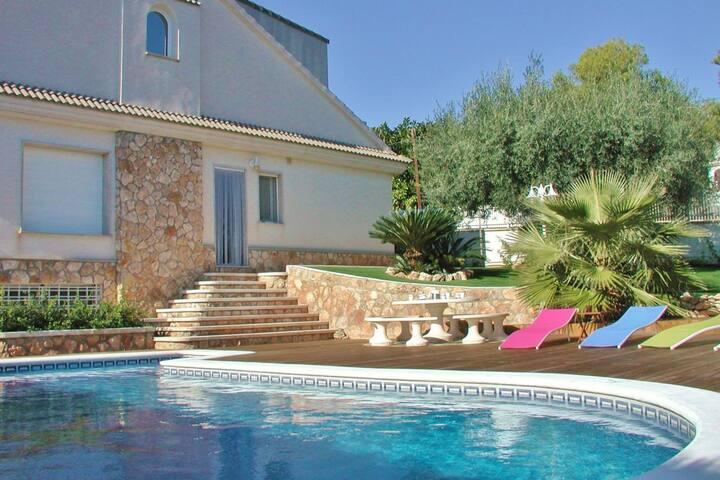 Villa in Roda de Barà with Private Pool
