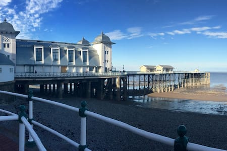 House On The Hill By The Sea 2 - Penarth - Гестхаус